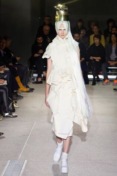 Comme des Garçons Spring 2013 Ready-to-Wear Fashion Show Collection