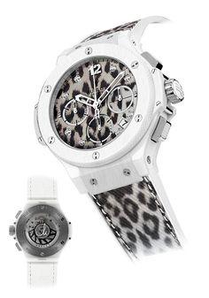 """Vào ngày 26-4-2013 vừa qua, tại hội chợ Baselworld diễn ra thường niên. Hublot đã trình làng hàng loạt phiên bản đồng hồ mới nhất của mình và đặc biệt trong đó có chiếc đồng hồ """"Snow Leopard Maria Höfl-Riesch"""" Big Bang cùng với sự tham gia của vận động viên trượt tuyết cũng là tên của đồng hồ Maria Höfl-Riesch, Chủ tịch Jean-Claude Biver và Ricardo Guadalupe, CEO của Hublot."""