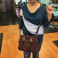Designer Look Bag !! Just Reduced New a beauty!! This bag is new without tags in perfect condition 11 by 8 & 5 across comes with Crossbody strap !! Gold hardware selling for friend no trades !! Bags Satchels