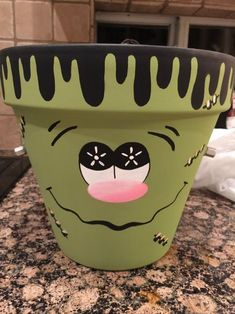 Halloween diy 400679698093800985 - Halloween DIY Frankenstein Clay Pot Craft Source by Halloween Clay, Halloween Flowers, Diy Halloween Decorations, Halloween Crafts, Flower Pot Art, Clay Flower Pots, Flower Pot Crafts, Flower Pot People, Clay Pot People