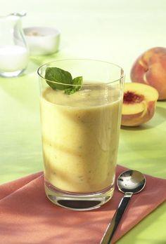 Pfirsich-Basilikum-Drink