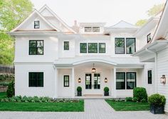 Spread across 6,800 square feet, this year's Coastal Living Showhouse has seven bedrooms, three fireplaces and a movie theater, as well as a pool, pool house and gym. Located in Bridgehampton, the sho