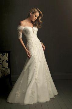 wedding dresses/Tüll Mitte Rücken Kapelle Schleppe A Linie volle länge schulterfreies klassisches & zeitloses Brautkleid