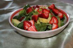 Salade d'épinards et fraises | .recettes.qc.ca