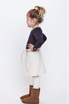 Im obsessed with little girls with messy ponys!!!