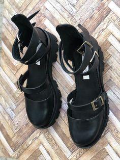 Rock Glamour All Black - Mauri. Glamour, Rock, All Black, Biker, Urban, Boots, Fashion, Sandals, Crotch Boots