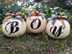 Pumpkins for Baby boy shower fall decoration. White pumpkins from Walmart. Ribbon from Hobby Lobby. Afterwards, you could change the Y to spell BOO for Halloween. Otoño Baby Shower, Baby Shower Gender Reveal, Baby Shower Parties, Baby Shower Themes, Baby Boy Shower, Baby Shower Decorations, Shower Ideas, Birthday Decorations, Baby Boys