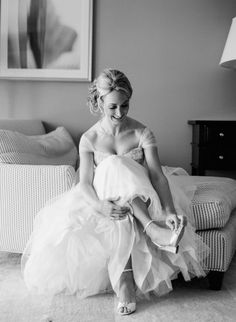 The bride: http://www.stylemepretty.com/2015/01/24/tropical-and-glamorous-wedding-at-st-thomas-ritz/ | Photography: Sylvie Gil - http://www.sylviegilphotography.com/