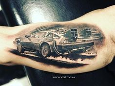 Ohhhh myyy...... #backtothefuturetattoo #backtothefuture #delorean #dmc #tattoo #blackandwhite #blackandwhitetattoo #want
