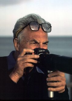 Ernst Haas with Leica R4
