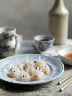 Har kau bunnies Prawn dumplings - Rabbits symbolise longevity, so these are fitting for the new year food recipes, world food Pork Recipes, Seafood Recipes, Asian Recipes, Cooking Recipes, Rice Recipes, Recipies, Dumpling Filling, Dumpling Recipe, Prawn Dumplings