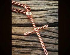 Cross necklace cross pendant cross jewelry by TWhitfieldDesigns Copper Wire Crafts, Copper Jewelry, Jewlery, Wire Jewelry Making, Wire Wrapped Jewelry, Wire Jewelry Designs, Jewelry Crafts, Handmade Jewelry, Wire Pendant