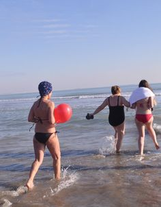 """#VeniceLido (01.01.2015) - the winter swimmers do """"their job"""""""
