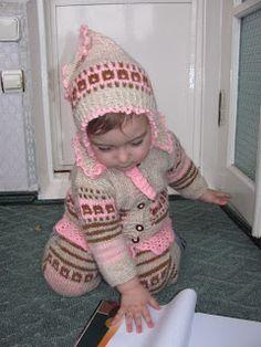 Bine ati venit pe blogul nostru. Va uram lectura placuta!: Costumaş tricotat pentru fetiţă de 1-2 anişori (Вя...