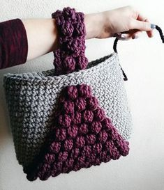 Bobble Tote By Courtney - Free Crochet Pattern - (gingerknots)