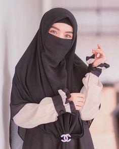 Hijab Dp, Hijab Gown, Hijab Niqab, Dps For Girls, Niqab Fashion, Islam Women, Islamic Girl, Hijabi Girl, Girl Photography Poses