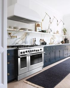 Home Interior Decoration .Home Interior Decoration Very Small Kitchen Design, Kitchen Tiles Design, White Galley Kitchens, Cool Kitchens, Dark Kitchens, Layout Design, Küchen Design, Kitchen Interior, New Kitchen