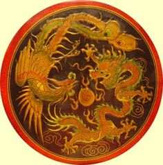 The Chinese considered the Dragon the male element, and the Phoenix, the female element. Together, they both symbolize the union of yin and yang, and a happy marriage. Phoenix Dragon, Phoenix Bird, Dragon Occidental, Phoenix Images, Medieval Dragon, Web Design, Chinese Mythology, Lord, Art Japonais