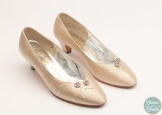 Delman Ivory Satin Wedding Shoes Size 6.5B $38
