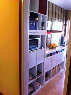 C mo convertir una estanter a expedit en un armario for Estanteria auxiliar cocina