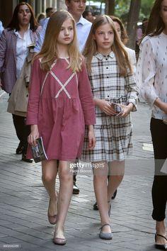 Fashion Kids, Fashion Outfits, Little Girl Dresses, Girls Dresses, Moda Kids, Estilo Real, Royal Clothing, Teen Clothing, Mode Hijab