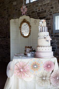 Marie Antoinette-Inspired Wedding Shoot  Mesa de Doces #mesadedoces