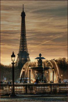 #Paris #Travel #Places breathtakingdestinations:  Fontaine Place de la concorde - France (von Yvon Lacaille)