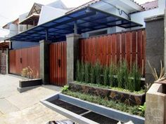 Minimalist home fencing does not indicate extremely straightforward, does not va. Minimalist home House Fence Design, Deck Design, Home Fencing, Tor Design, Charming House, Wooden Gates, Wooden Fence, Front Yard Fence, Canopy Design