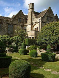 Rodmarton Manor, Gloucestershire English Manor Houses, English House, English Cottages, English Castles, Beautiful Gardens, Beautiful Homes, Beautiful Places, English Countryside, Beautiful Buildings