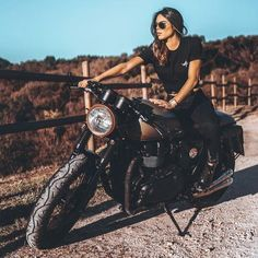 """""""Mi piace"""": commenti: 2 - Indian and Triumph Dealer ( su I. Triumph Motorcycles, Triumph Cafe Racer, Custom Motorcycles, Motorcycles For Women, Indian Motorcycles, Vintage Motorcycles, Custom Bikes, Motorbike Girl, Motorcycle Style"""