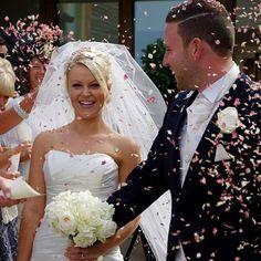 Blush pink confetti petals. Available from www.theweddingofmydreams.co.uk #wedding #theweddingofmydreams
