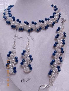 How to Make A Long Beaded Necklace at Home Seed Bead Necklace, Seed Bead Jewelry, Jewelry Making Beads, Crystal Jewelry, Jewelry Sets, Beaded Jewelry, Diy Crafts Jewelry, Handmade Jewelry, Beaded Rings