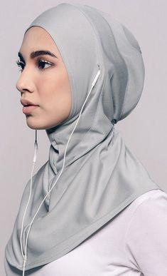 hijab sport Najwaa Sport Fit Hijab in Grey. Turban Hijab, Hijab Sport, Sports Hijab, Fitness Style, Fitness Fashion, Hijab Styles, Islamic Fashion, Muslim Fashion, Burka Fashion