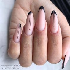 Semi-permanent varnish, false nails, patches: which manicure to choose? - My Nails Cute Nails, Pretty Nails, My Nails, Easter Nails, Manicure E Pedicure, Nail Decorations, Black Nails, Black French Nails, Black Almond Nails