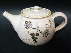 Painted Karatsu Teapot - Handmade in Japan