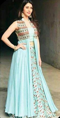 Indian Designer Outfits, Designer Dresses, Fashion Jobs, Fashion Ideas, Lehenga Choli, Sharara, Bridal Lehenga, Salwar Kameez, Party Wear Dresses
