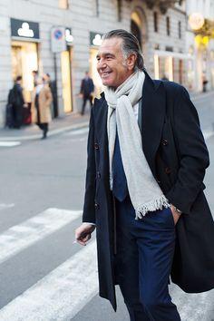 On the Street…Via Montenapoleone, Milan - The Sartorialist The Sartorialist, Retro Fashion, Mens Fashion, 50 Fashion, Milan Fashion, Fashion Beauty, Coaching, Mature Fashion, Poncho