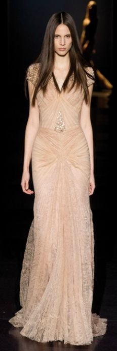 Basil Soda Couture Spring 2012 (30) : I like everything. The hair. The gown. It is ME.
