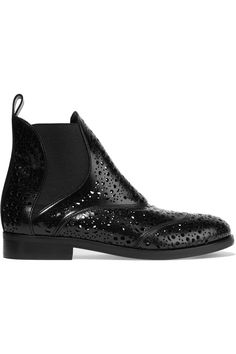 ALAÏA LASER-CUT GLOSSED-LEATHER CHELSEA BOOTS 495€ http://www.theoutnet.com/product/647292