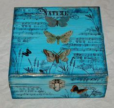 ideas decoupage boxes in various styles - Part 6 Cigar Box Projects, Cigar Box Crafts, Cigar Box Art, Altered Cigar Boxes, Wood Projects For Beginners, Creative Box, Decoupage Box, Altered Bottles, Pretty Box