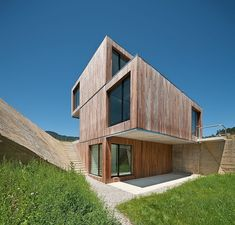 Single-family houselocated in the residential area of Montealegre, Spain, designed in 2012 by Acha Zaballa Arquitectos.