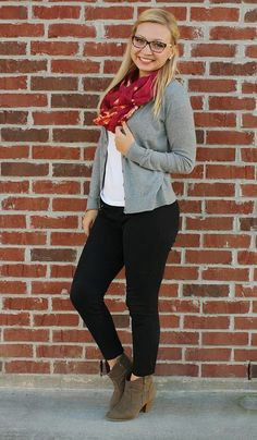 If you are looking for cute, feminine fall outfits that you can wear every day you are at the right place!Take a look at the following images and get inspiration for you own cute fall outfits and try to copy them this week.