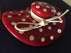 LARGE-RED-BAKELITE-POLKA-DOT-FLOPPY-HAT-PIN-PERFECT-EXCELLENT-CONDITION