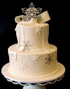 Winter snowflake wedding cake.