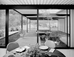 http://www.mid-century-home.com/wp-content/uploads/2012/04/Case-Study-House-21-Resized.jpg