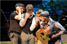 Celtic Thunder - Voyage - Seven Drunken Nights. Keith hiding from George, haha!