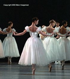 The Kirov Ballet in Chopiniana. Photo by Marc Haegeman.