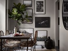 Stylish and cozy home with dark walls - via Coco Lapine Design blog