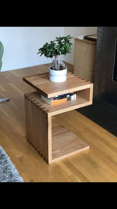 Red oak side table: my first real woodworking project! Post with 0 votes and 31605 views. Red oak side table: my first real woodworking project! Home Decor Furniture, Home Furnishings, Furniture Design, Sofa Design, Coffee Table Design, Coffee Tables, Woodworking Furniture, Woodworking Projects Plans, Diy Woodworking