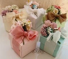 Bridal Shower Favors - Wedding Shower Favors Love the color scheme and the victorian feel. Could put money in box! Wedding Gift Wrapping, Creative Gift Wrapping, Creative Gifts, Wedding Gifts, Wrapping Gifts, Gift Wrapping Ideas For Birthdays, Elegant Gift Wrapping, Wrap Gifts, Wedding Gift Boxes